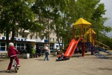Детская площадка у Звездного
